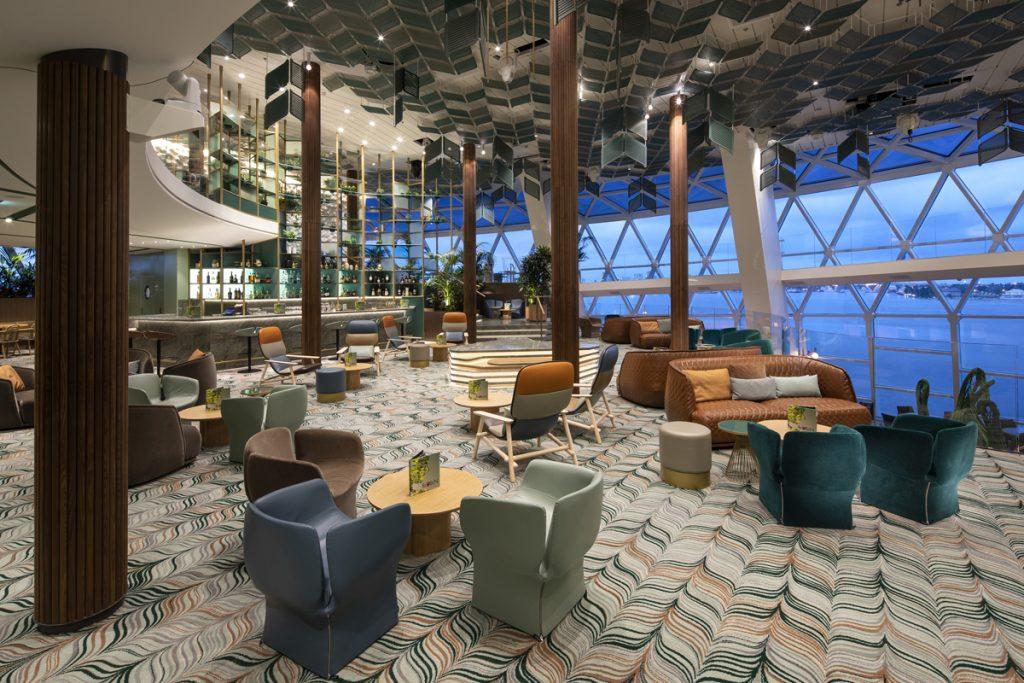 Lounge cruise