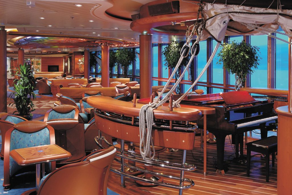 Scooner bar on cruise